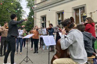 Itinérant, changeant et (presque) impromptu : rencontre avec l'Orchestre spontané